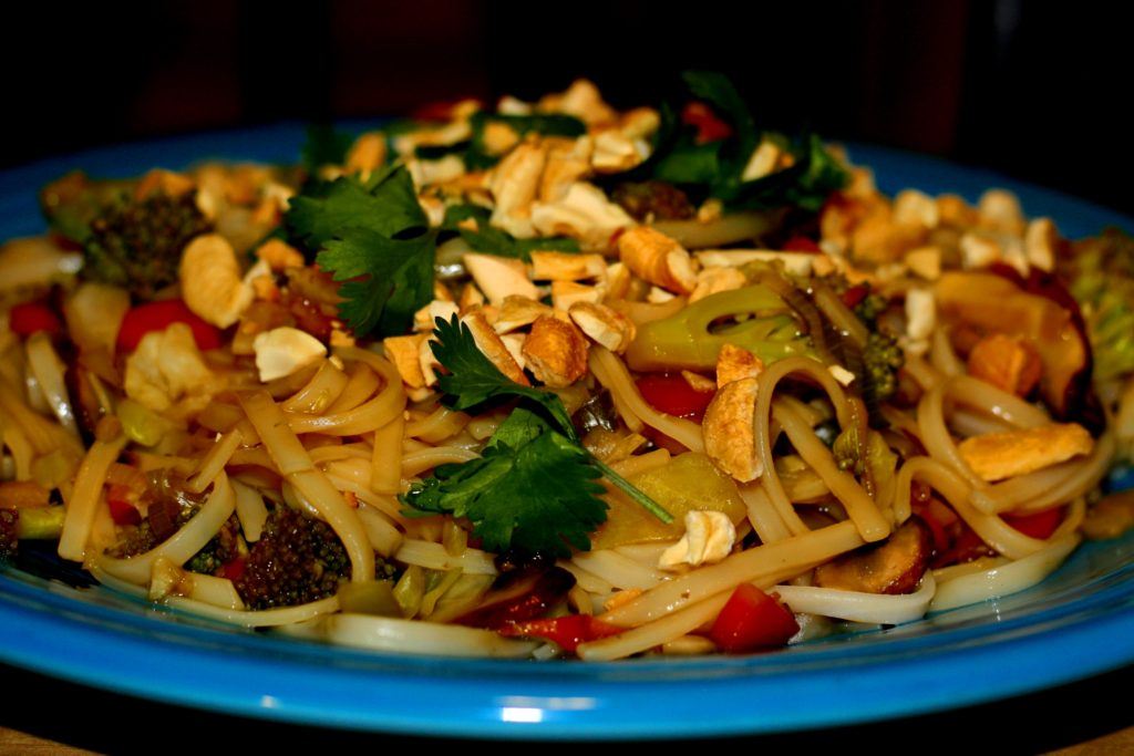 Chinese Noodles in Ginger Garlic Sauce