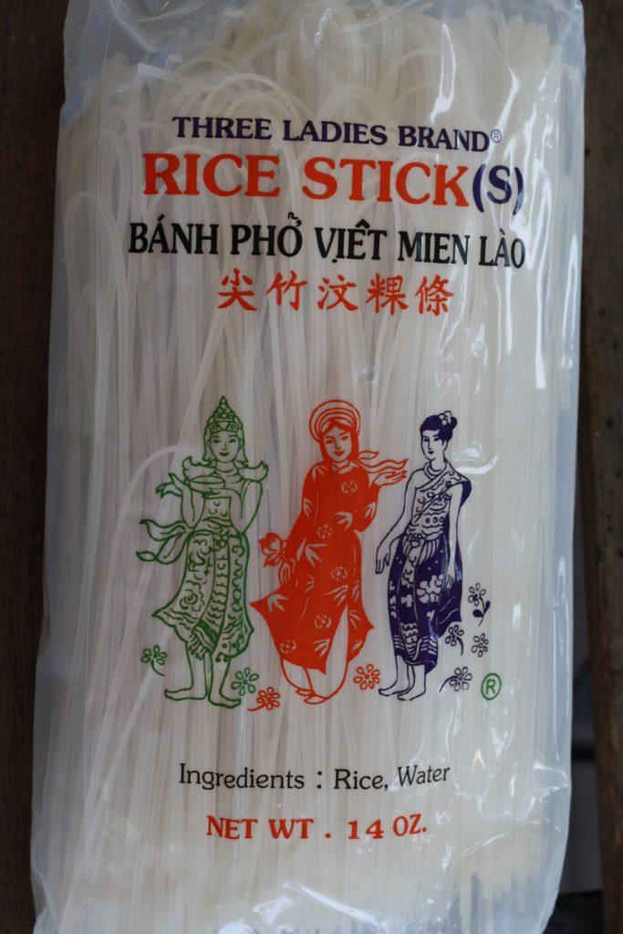 banh pho noodles